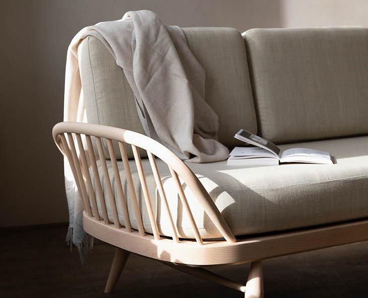 detail of l.ercolani studio couch