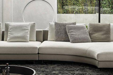 modern living room featuring a minotti daniels sofa