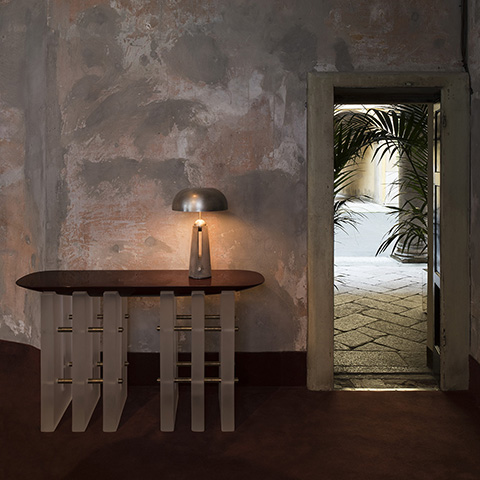 foyer featuring apparatus metronome table lamp