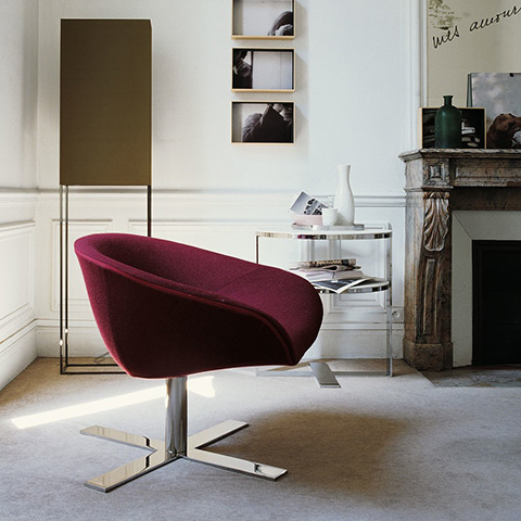 modern living room featuring b&b italia mart armchair