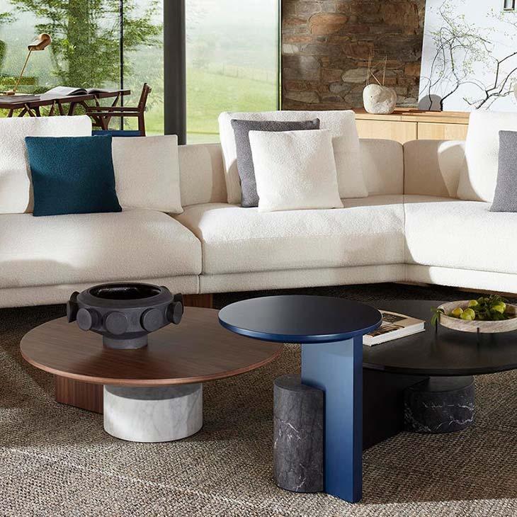 modern living room featuring cassina sengu sofa