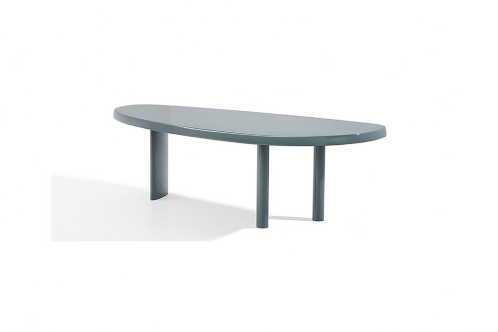 cassina table en forme libre on a white background