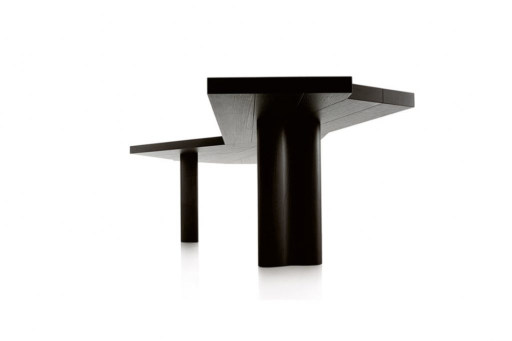 cassina ventaglio dining table on a white background