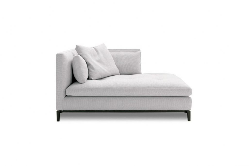 minotti andersen chaise on a white background