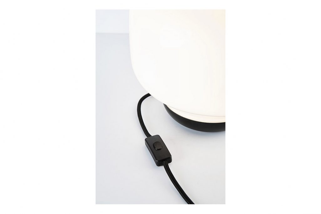 roll and hill esper table lamp switch detail