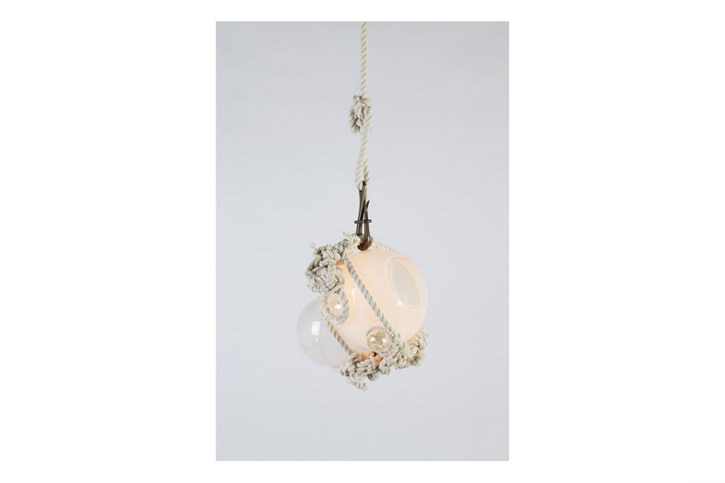 roll & hill knotty bubbles pendant light small natural rope