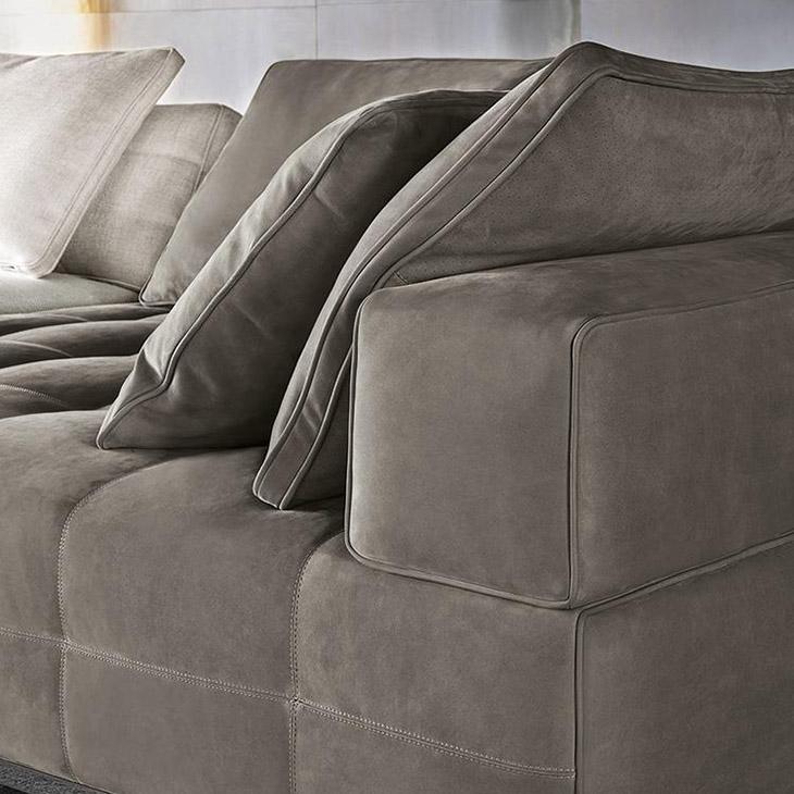 modern living room featuring minotti lawrence sofa