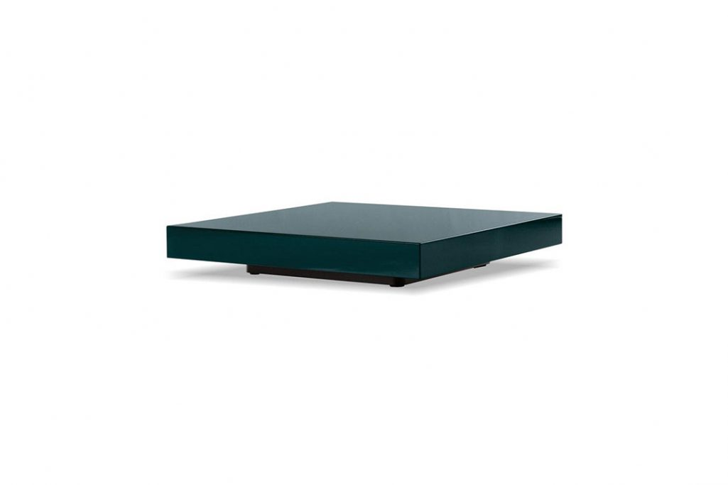 minotti ritter coffee table on a white background