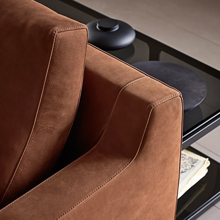 detail of the arm and stitching on a poliform bellport sofa
