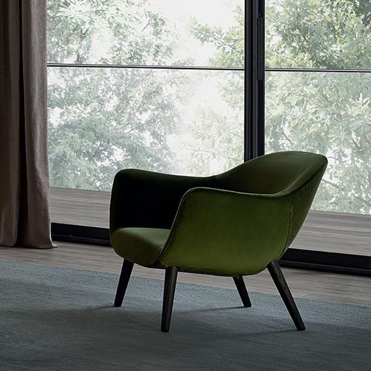 poliform mad armchair in situ