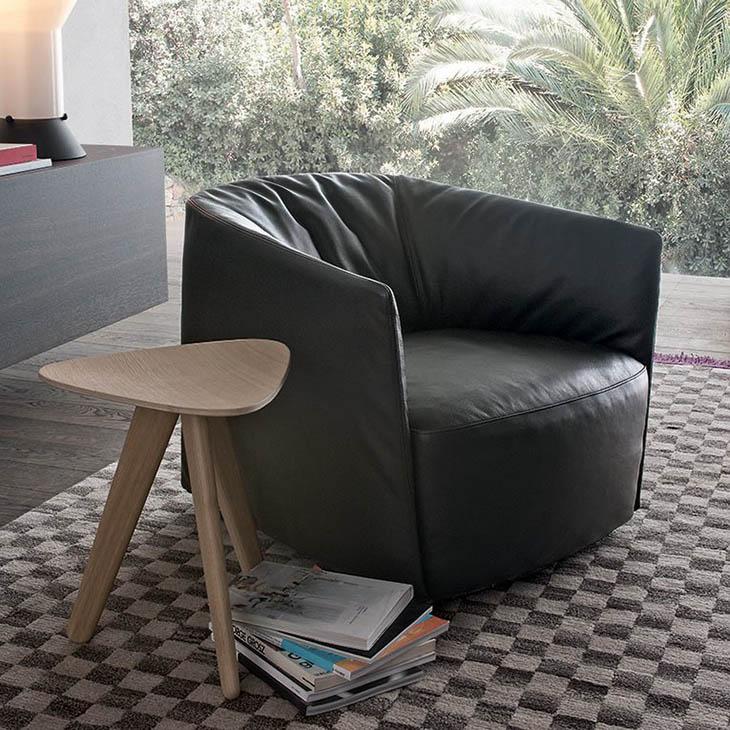 poliform santa monica armchair in situ