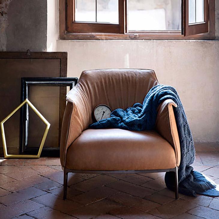 poltrona frau archibald gran comfort armchair in situ