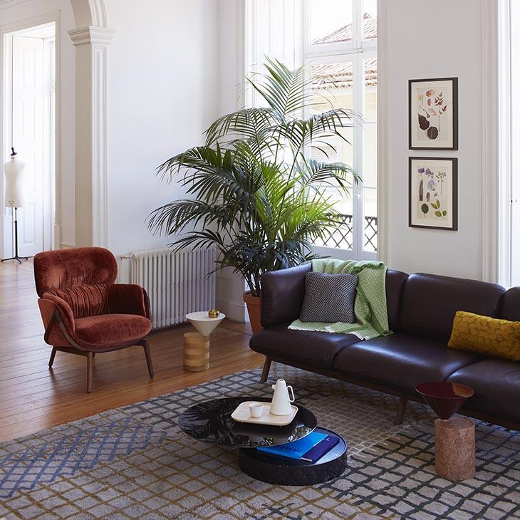 de la espada elysia lounge armchair in situ