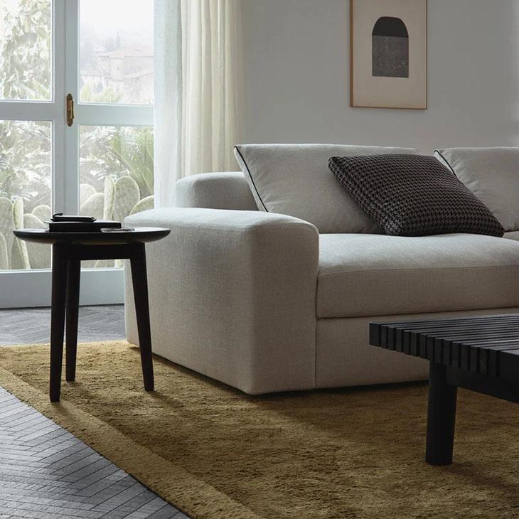 poliform frame rug in situ